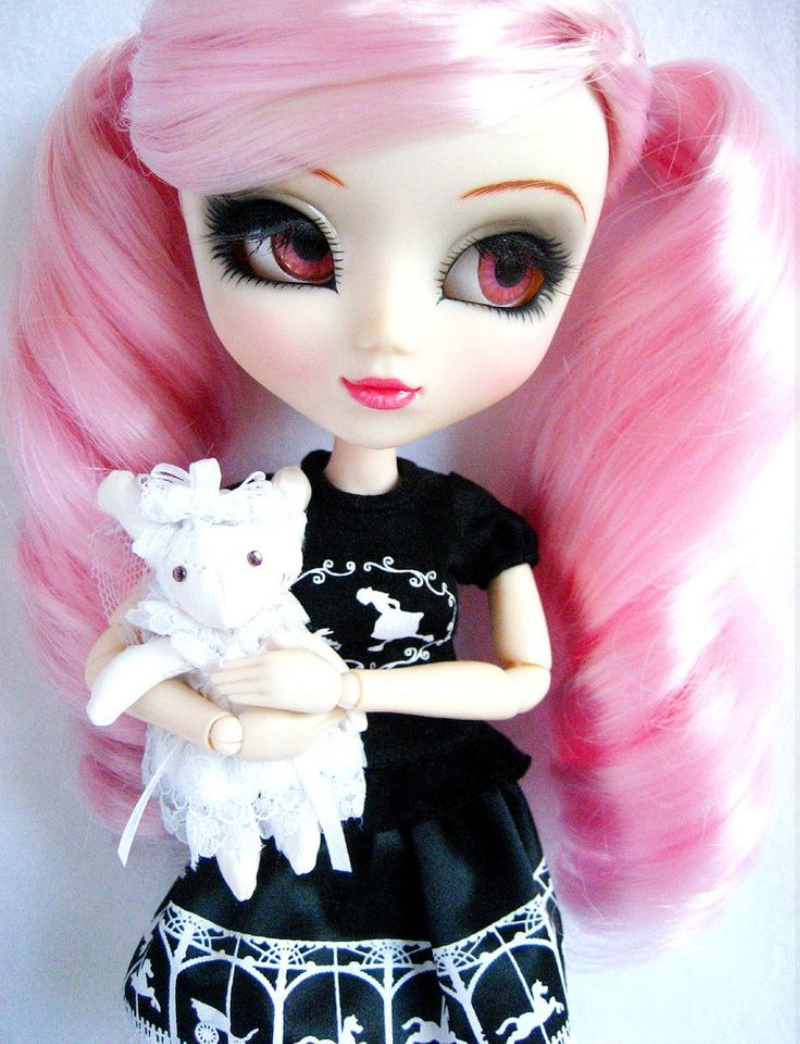 Prettiest Pullip Dolls – Peace, Love, and-all-about Me